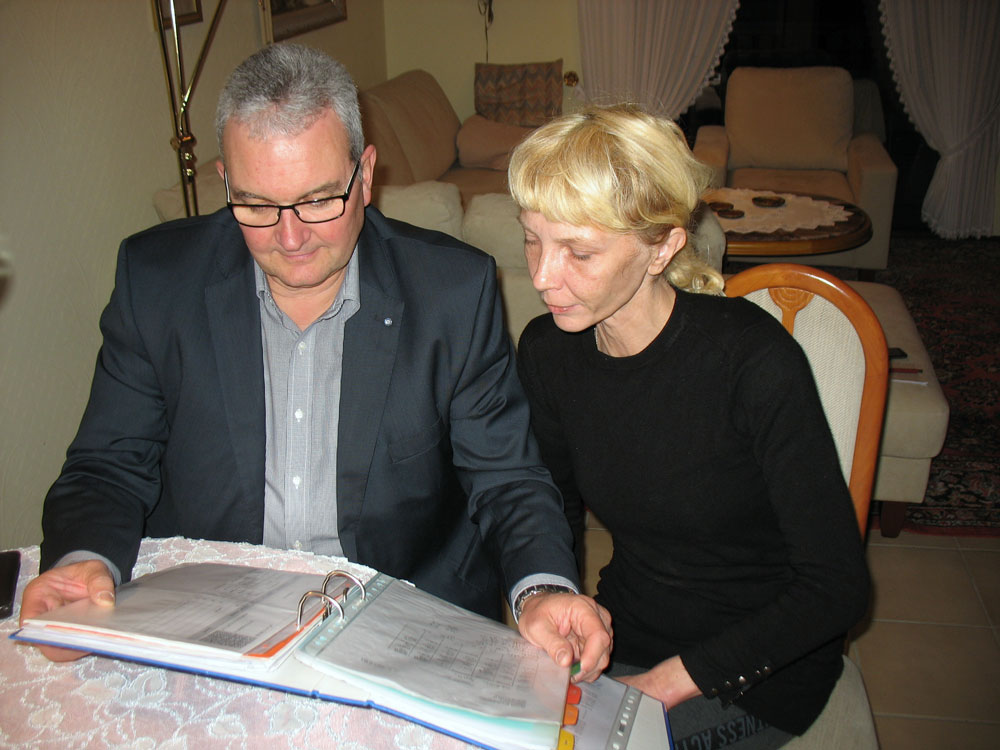 Stefan S. mit Katarzyna Wether (Foto: Pflegeherzen)