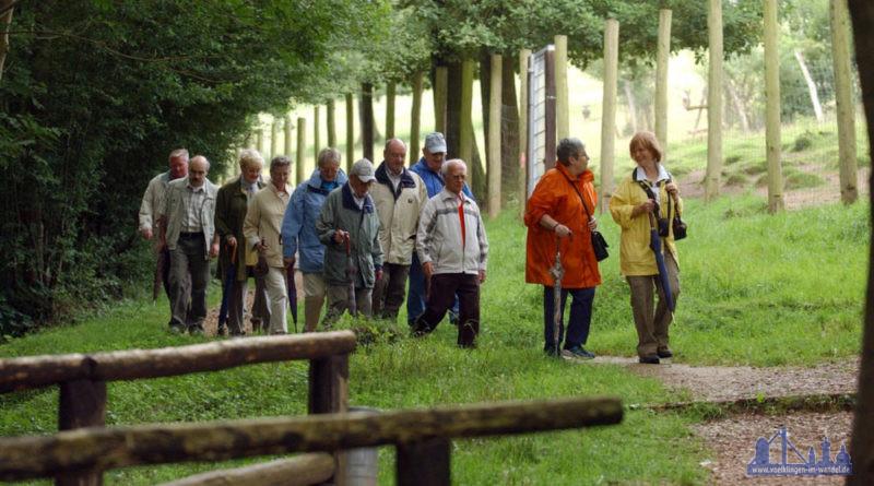 Mitglieder des Saarwaldvereins am Wildpark in Völklingen Foto Stadt VKL/Jenal