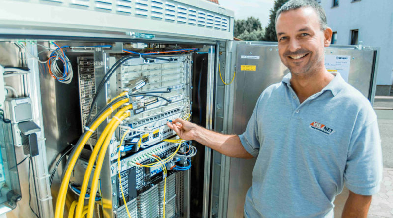 Für den Breitbandausbau errichtet VSE NET im Regionalverband rund 280 neue Glasfaserknoten, Foto: MindForest SA