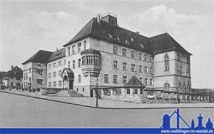 Das neu erbaute Realprogymnasium in der heutigen Hohenzollernstraße. (Sammlung des HKW)