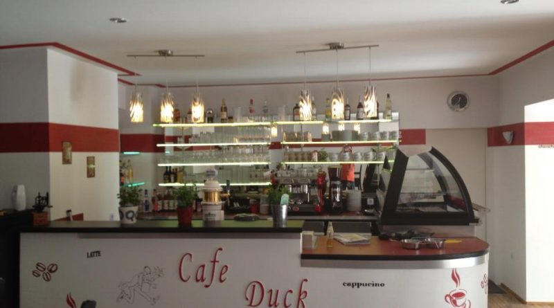 © Cafe Duck Dich