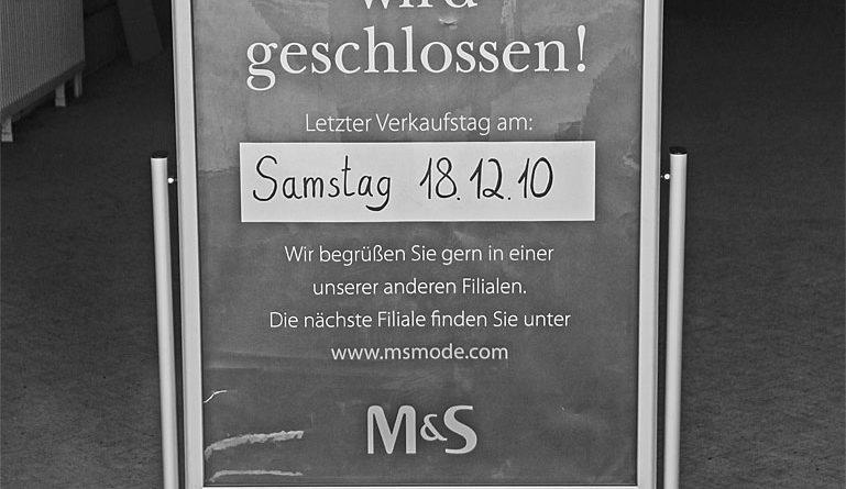 Mit dem Kaufhof starben auch die benachbarten Geschäfte (Foto von 2013(!): Hell)