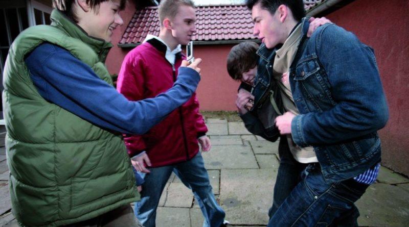Gewalt unter Jugendlichen (Foto: Polizeiliche Kriminalprävention der Länder und des Bundes)