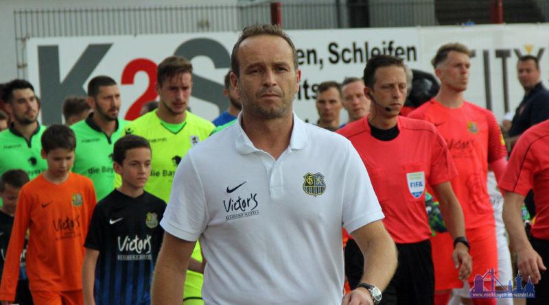 Weiß, dass sein Team zu viele Fehler machte: FCS-Coach Dirk Lottner (Foto: Hell)