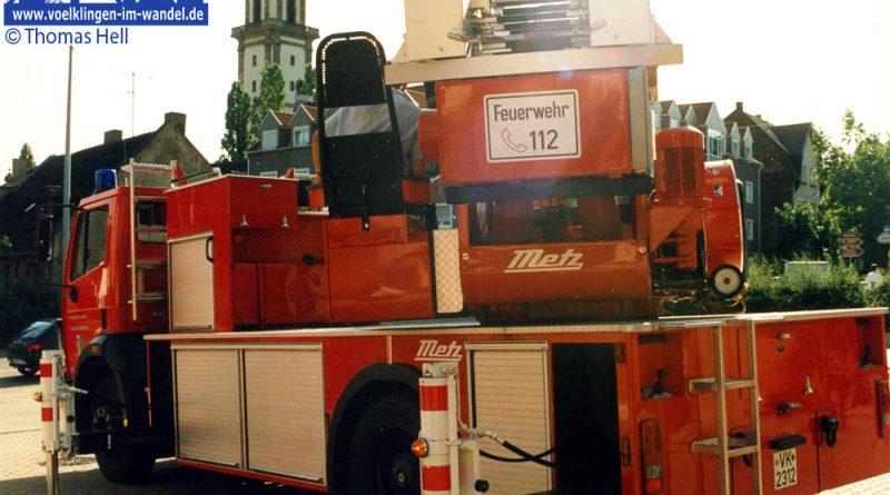 Die 1992 angeschaffte Drehleiter mit Korb, aufgenommen 1996 © Thomas Hell