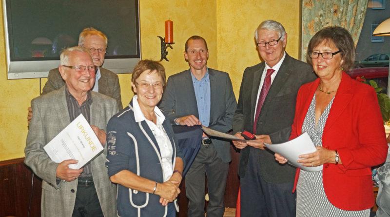 Vlnr.: Karl Spang, Bürgermeister Wolfgang Binz, Gisela Rink, Karsten Vitz, Rudolf Landmann und Gertrud Landmann | www.cdu-voelklingen.de