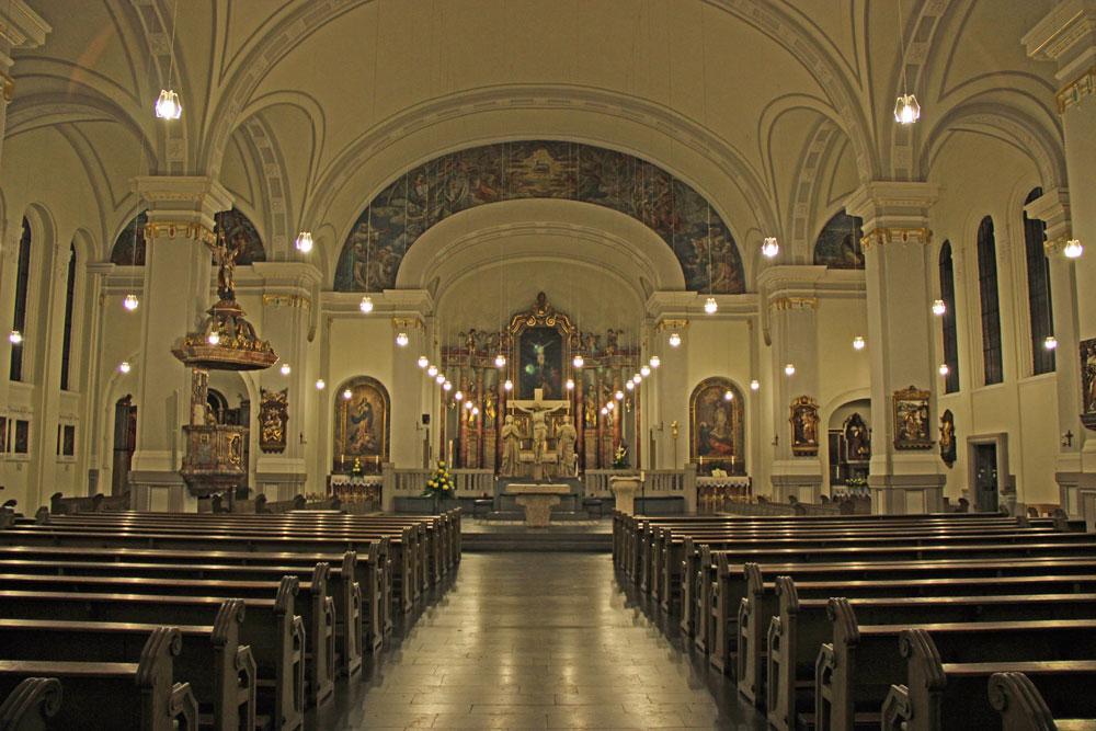Der Innenraum der Kirche nach den Renovierungsarbeiten (Foto: Hell)