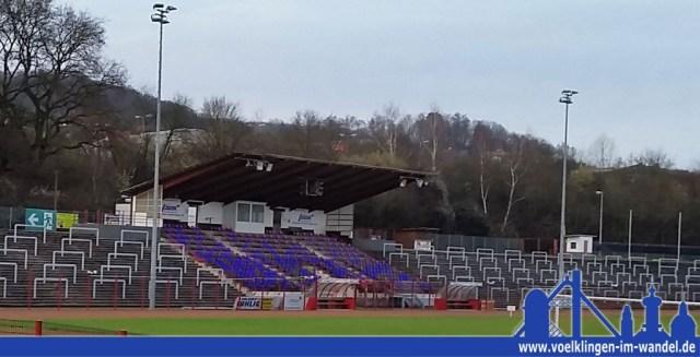 Am 1. April 2015 färbten wir das Hermann-Neuberger-Stadion blau-schwarz - es war nicht daran zu denken, dass der Scherz wirklich wahr werden wird (Foto&Bearbeitung: Hell)