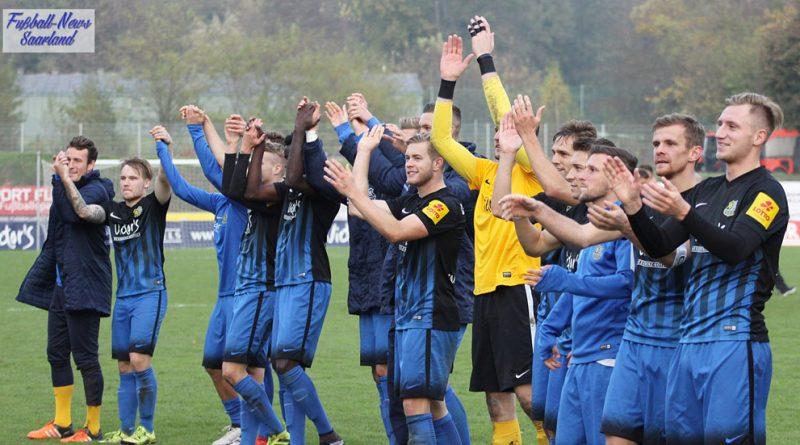 Am Ende konnten die Spieler des 1. FCS drei Punkte feiern (Foto: Mohr/Fußball-News Saarland)