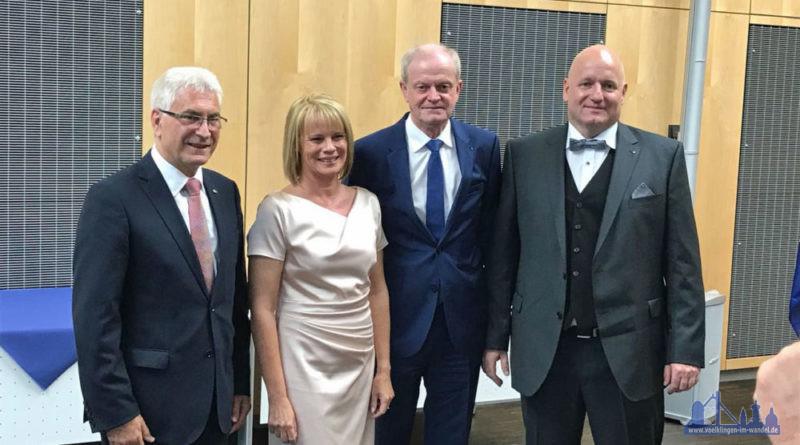 V.l.n.r.: Der scheidende Oberbürgermeister Klaus Lorig neben Nachfolgerin Christiane Blatt, und Wolfgang Bintz neben seinem Nachfolger Christof Sellen (Foto: Rabel)