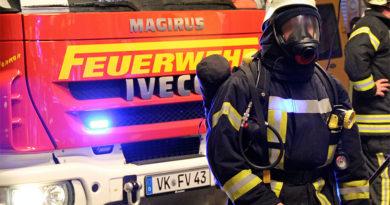 Die Feuerwehr im Einsatz (Symbolfoto: Hell)