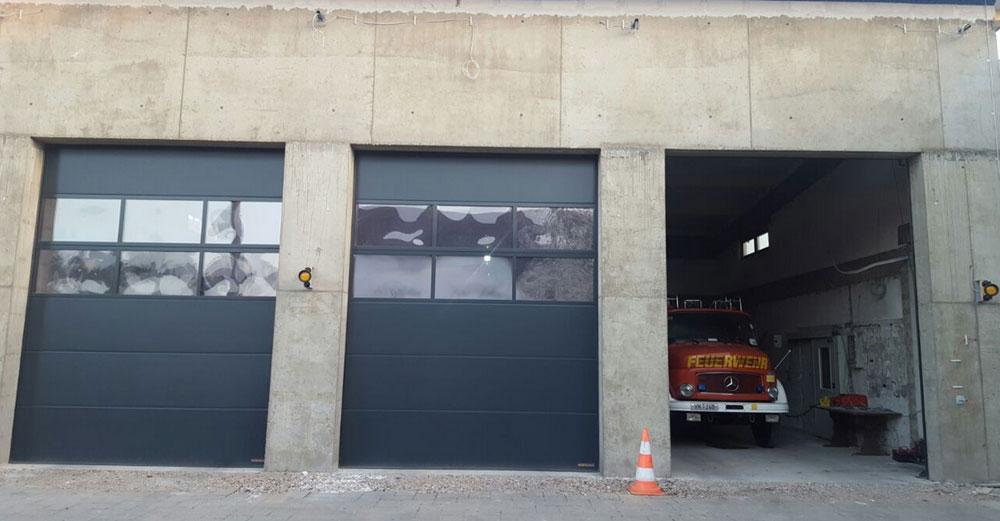Die neue Fahrzeughalle noch ohne Putz (Foto: Feuerwehr Völklingen)
