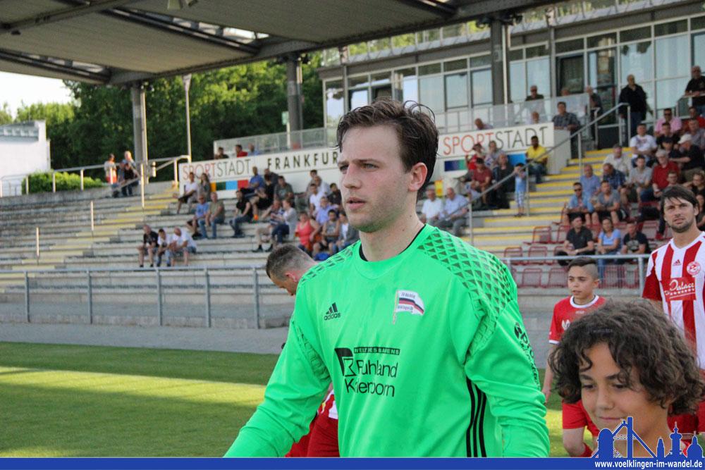 Röchling-Torwart Buhl hielt schon gegen Bissingen Völklingen im Rennen (Foto: Hell)