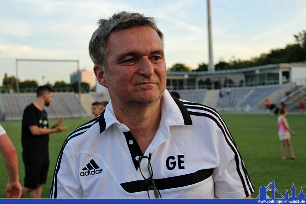 So sieht ein glücklicher Trainer aus: Günter Erhardt nach dem Schlusspfiff (Foto: Hell)