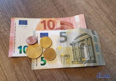 """""""Geld"""" von www.voelklingen-im-wandel.de ist lizenziert unter einer Creative Commons Namensnennung - Weitergabe unter gleichen Bedingungen 4.0 International Lizenz."""