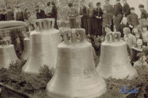 Die Glocken der Versöhnungskirche bei der Einsegnung (Sammlung Jonas Mayer)