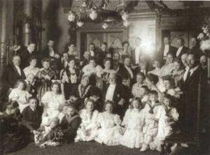 Goldene Hochzeit von Carl und Alwine Röchling 1907. Quelle: Die Gründerfamilie Röchling