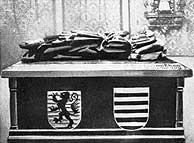 Ruhestätte in der Stiftskirche in St. Arnual