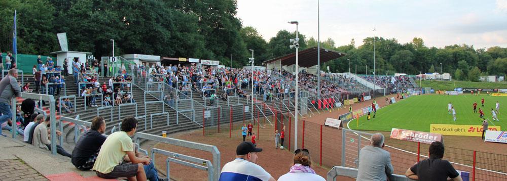 .... Hermann-Neuberger-Stadion einfach riesig. (Foto: Hell)