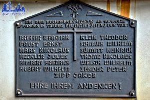 Die Gedenktafel am Meisterbüro (Foto: Winfried Hoffmann)