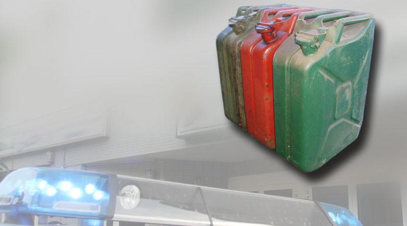 Symbolfoto Benzindiebstahl/Dieseldiebstahl/Kanisterdiebstahl (Foto: Hell/Kanister von einem gemeinfreien Foto)