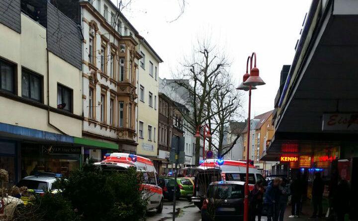 Großeinsatz in der Völklinger Poststraße (Foto: Leserreporter)