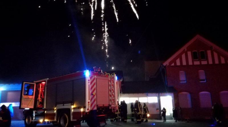 Das neue Löschfahrzeug wurde in Fürstenhausen mit Feuerwerk Willkommen geheißen (Leserforto)