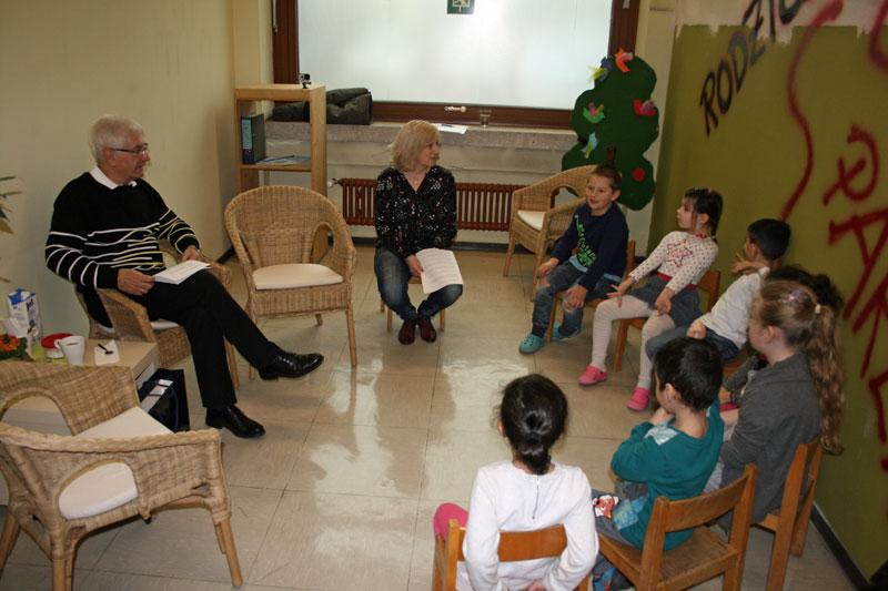 Kindergarten St. Eligius zieht um: Lorig stellt sich Fragen der Kinder (Foto: Stadt VKL)