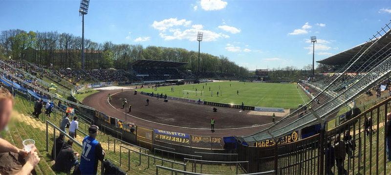 Das alte Ludwigsparkstadion (Foto gemeinfrei) wirkt im Vergleich zum....