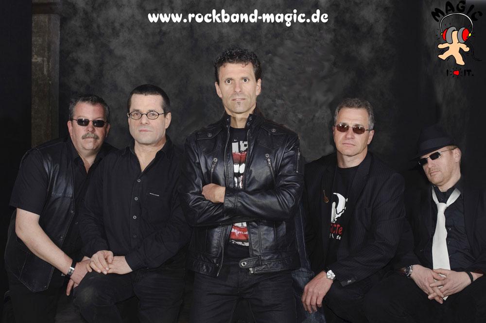 Die Band in ihrer aktuellen Besetzung (Foto: Band)