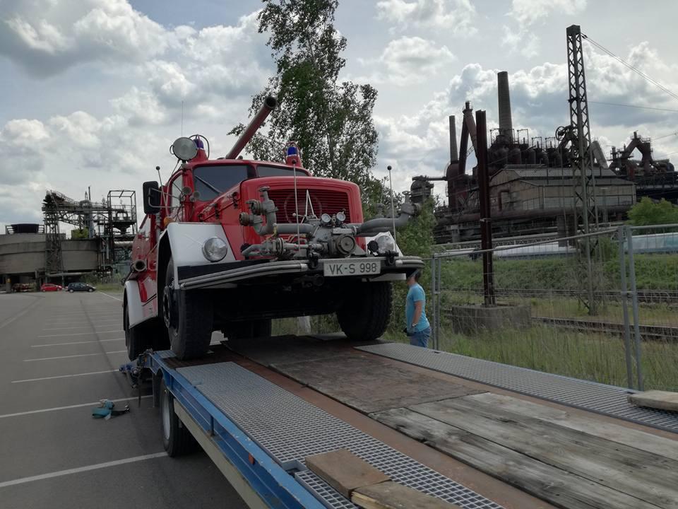 Per Transport, nicht auf eigener Achse, geht es von Völklingen nach Ulm (Foto: Peter Burkhart)