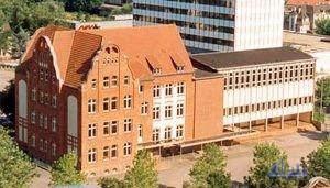 Die Mühlgewannschule 1998 (Foto: Hell)