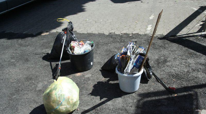 Bereits 2012 starteten einige engagierte Völklinger eine Säuberungsaktion (Archiv-Foto: Hell)