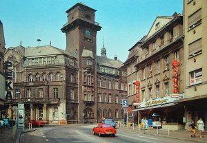 Dieses Foto zeigt nochmal den Turm mit Notdach.