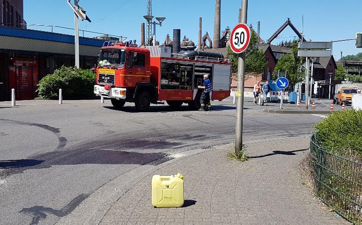 Eine Ölspur hatte einen Feuerwehreinsatz zur Folge (Foto: Hell)