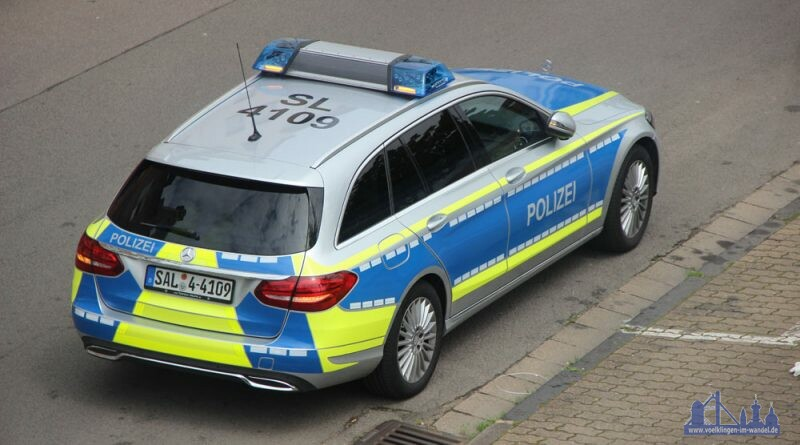 Die Polizei auf Streife (Symbolfoto: Hell)