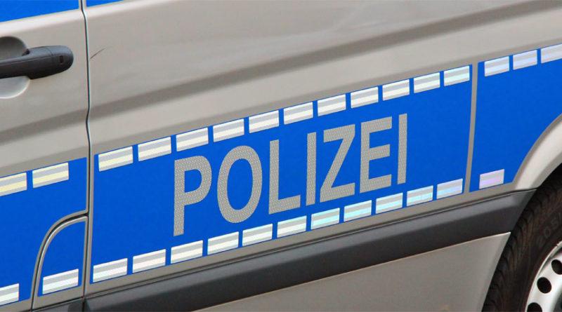 """""""Polizei"""" von www.völklingen-im-wandel.de ist lizenziert unter einer Creative Commons Namensnennung - Weitergabe unter gleichen Bedingungen 4.0 International Lizenz."""
