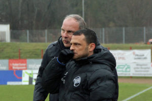 OFC-Coach Oliver Reck und sein Co-Trainer Joti Stamatopoulos mussten sich etwas einfallen lassen (Foto: Hell)