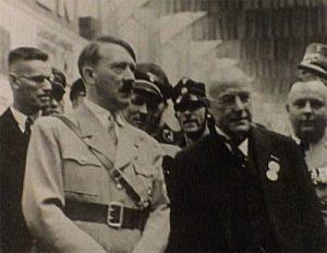 Hermann Röchling an der Seite von Adolf Hitler ; Quelle: Paul Ganster