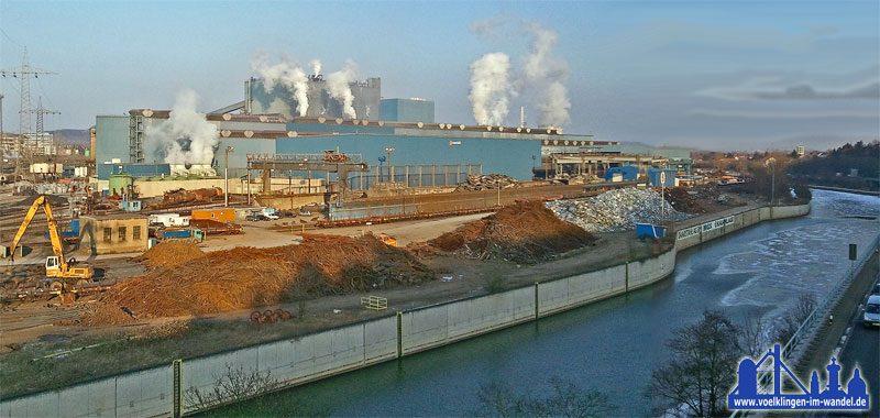 Das Blasstahlwerk der Saarstahl AG im Februar 2012