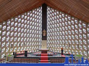 Sankt Antonius kurz vor der Profanierung 2013 (Foto: Hell)