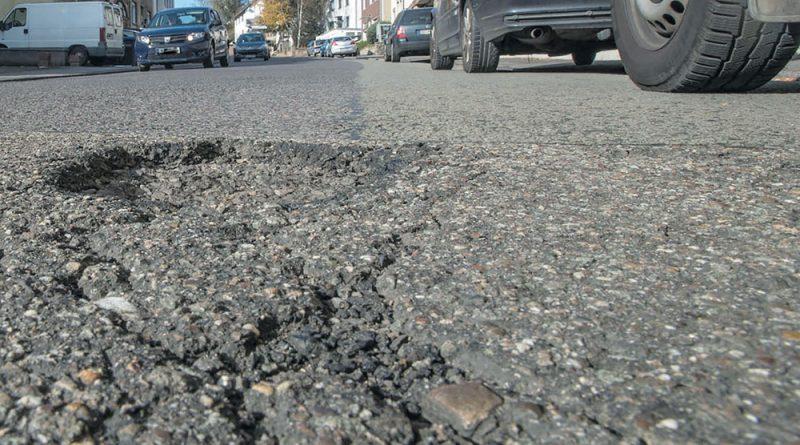 Schlaglöcher in Völklingens Straßen (Foto: Stadt VKL)