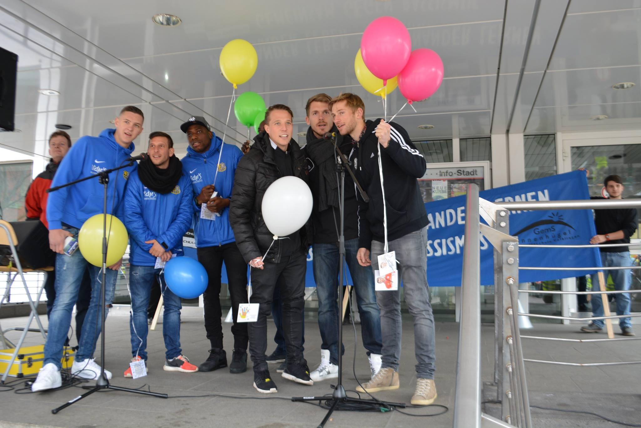 Bereits 2016 hatten die Fußballclubs 1. FC Saarbrücken und SV Elversberg den Schweigemarsch unterstützt (Foto: Schule)