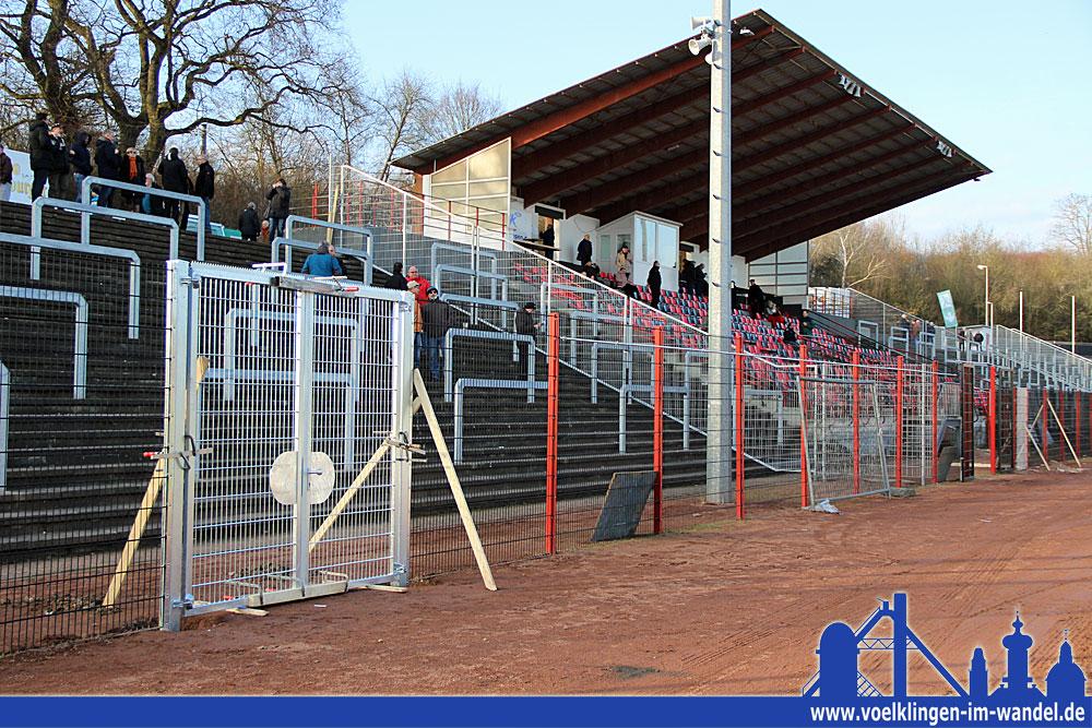 Schnell wurde das Hermann-Neuberger-Stadion für die Regionalliga fit gemacht (Foto: Hell)