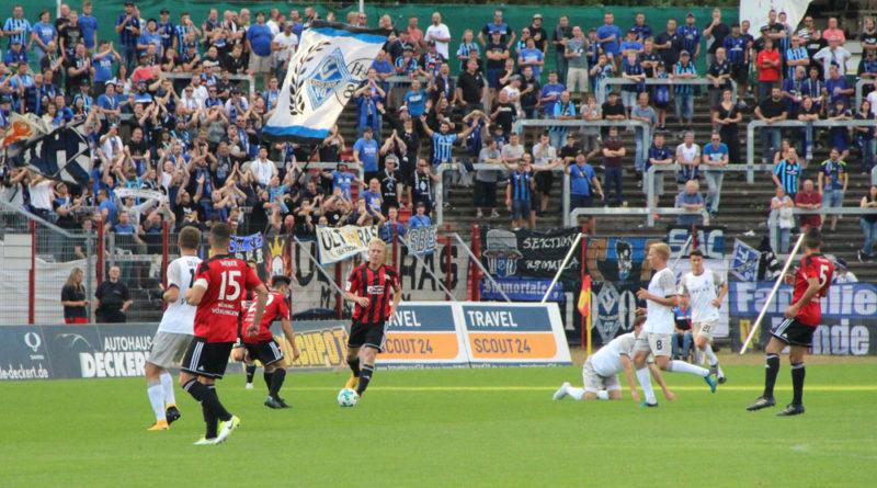 Die Fans von Mannheim kamen später als geplant, deswegen musste die Partie 10 Minuten später beginnen. (Foto: Hell)