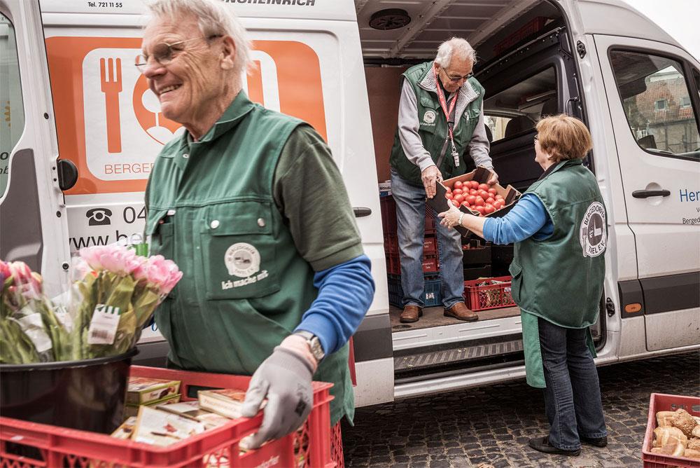 Ausladen der Lebensmittelspenden bei der Bergedorfer Tafel Symbolfoto: Bundesverband Deutsche Tafel e.V./Dagmar