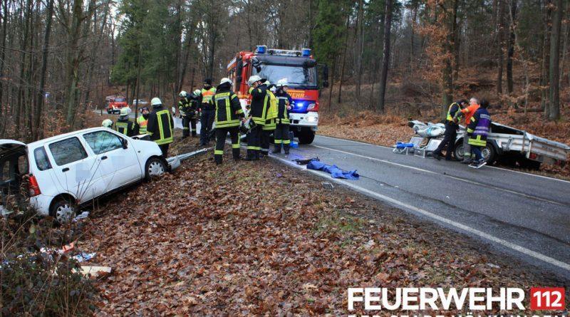 Verkehrsunfall mit eingeklemmter Person (Foto: FFW Völklingen)