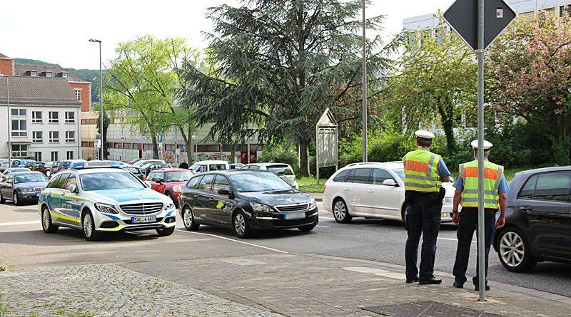 Verkehrskontrolle der Polizei (Symbolfoto: Hell)