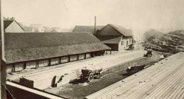 Die Backsteinfarbrik Rink-Kohler zwischen Post- und Moltkestraße im Jahre 1910. Auf diesem Gelände entsteht nun die neue Kirche (Foto: v.d.Eltz)