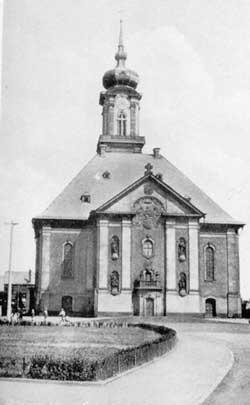 Die fertiggestellte Kirche um 1930